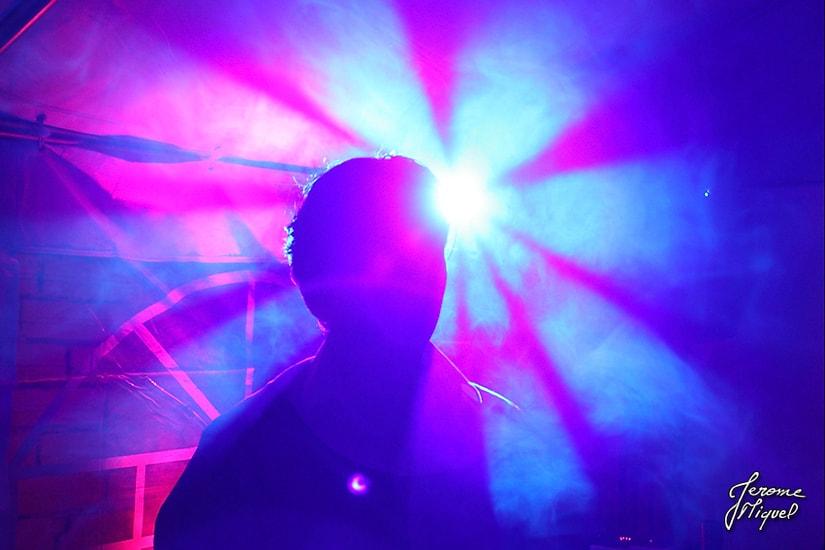 06 effets de lumière pendant la soirée du mariage